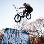 BMX ler im Sprung