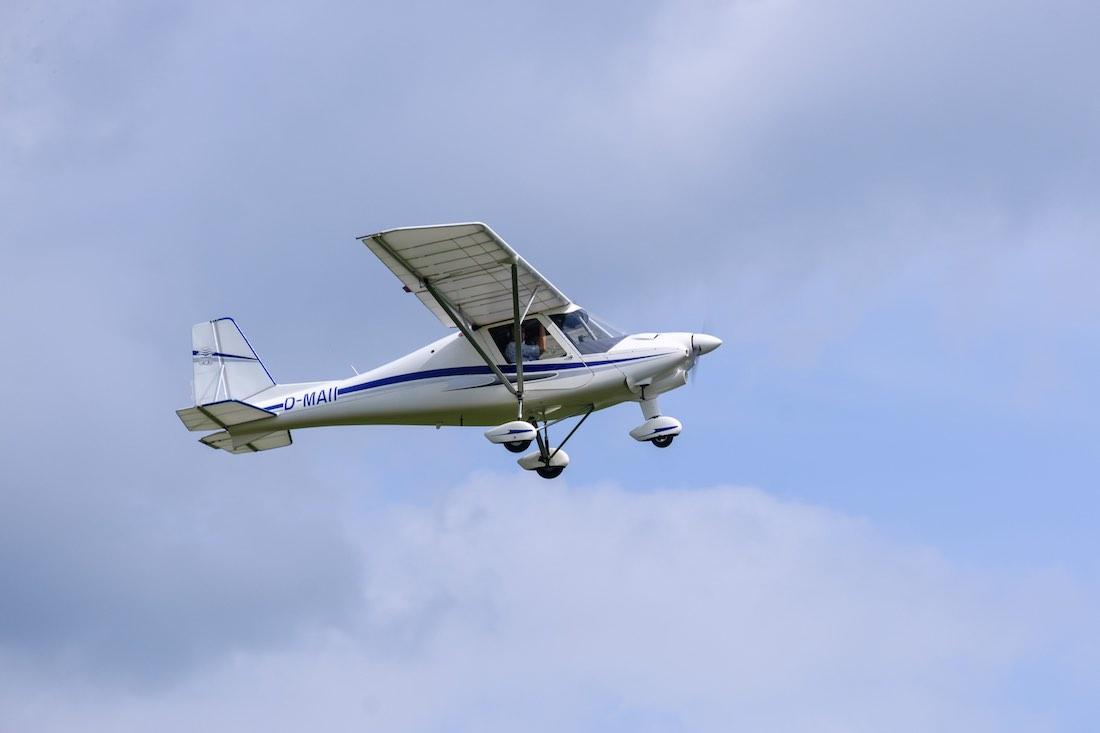FlugzeugVorHimmel